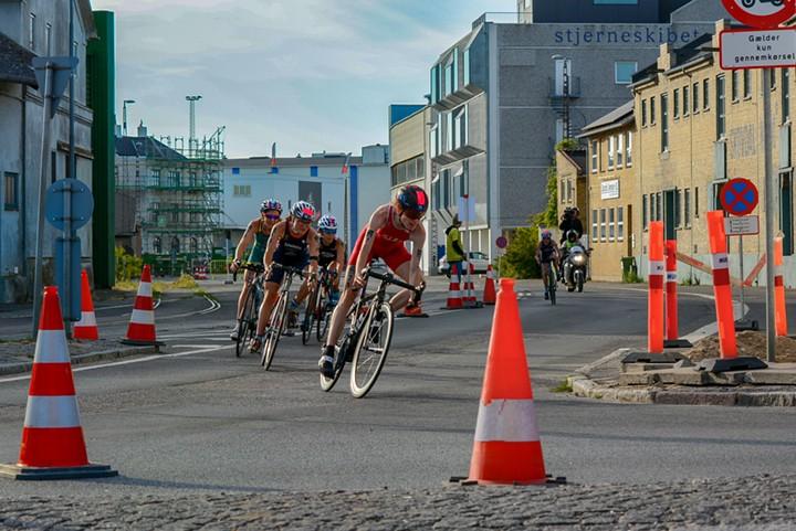 Relative Radschwäche sieht hier keiner - Sabrina Illes in Front