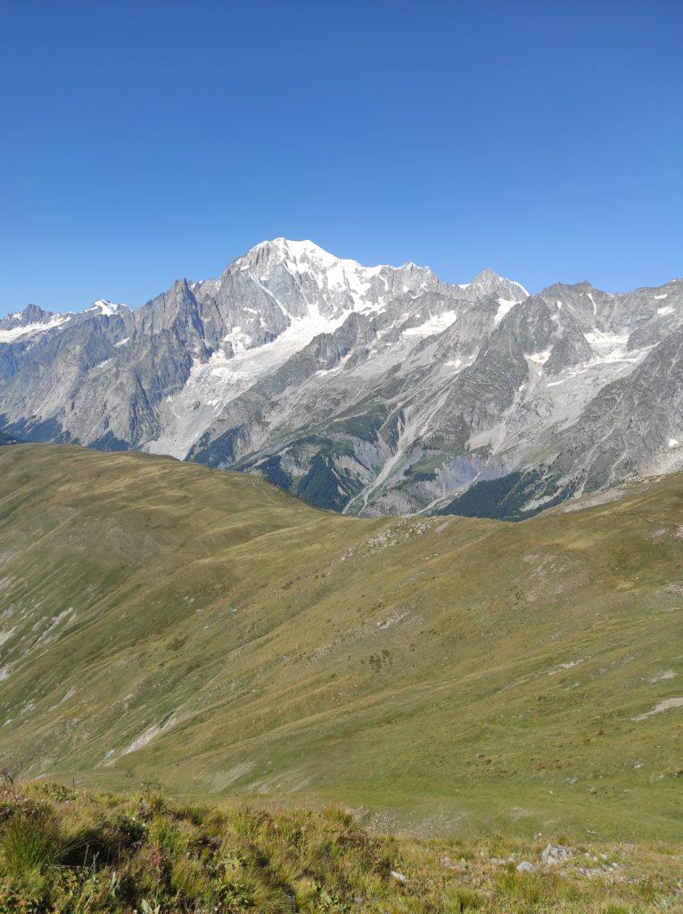 Am Bergrücken entlang Richtung Refugee Bertone